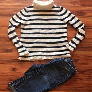 ZARA Turtleneck knit sweater & boyfriend jeans